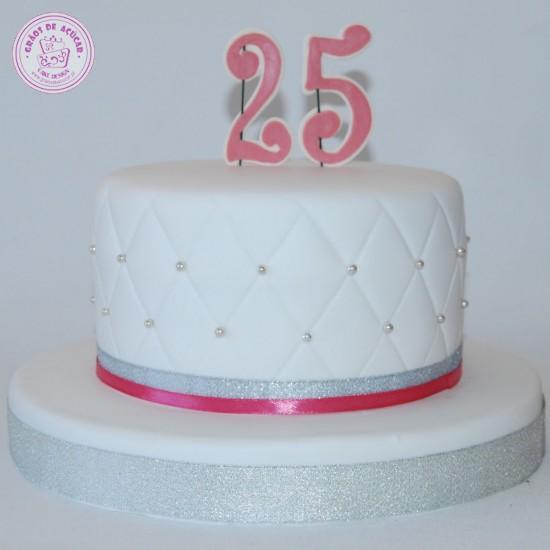 Bolo 25 Anos - Graos de Ac?car - Bolos decorados - Cake Design